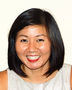 Portrait photograph of Dr Shueh Hwuei Lim
